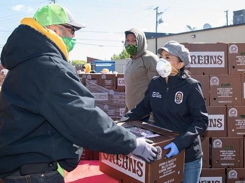 County Executive Alsobrooks Stand Up and Delivers Food